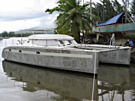 Power Catamaran World: Building your own in Paraguay